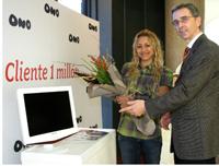 Ono Clienta 1millon Televisión Telefonía Banda Ancha Hogar Digital