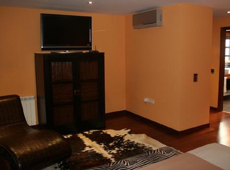 Dormitorio INMOMATICA Supercasas Domux Hogar Digital Domotica Seguridad Cine en Casa