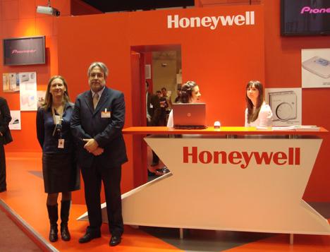 Honeywell Stand Feria Climatización Confort Ahorro Energético Hogar Digital