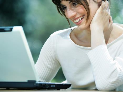 Mujer Juego Laptop Hogar Digital Fujitsu Siemens Computers