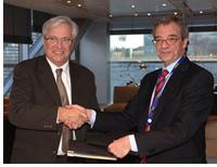 Firma de Acuerdo Entre El Ministerio de Industria, Turismo y Comercio y Telefónica para impulsar la Sociedad de la Información en España
