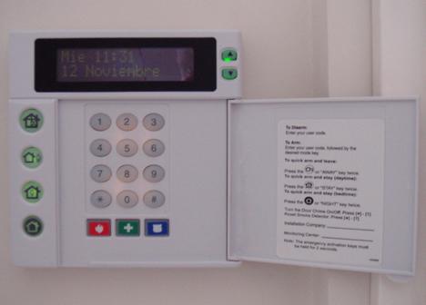 Teclado LCD Sistema de Seguridad El Sitio de los Negrales de TOGASA Secosol