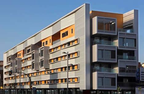 "Edificio El Paseo Cordoba del promotor Noriega con sistema de domótica ""Eye Touch"" Home Systems"