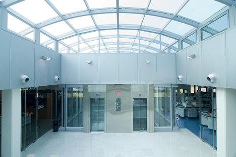 Interior Edificio Agbar Collblanc Jung KNX