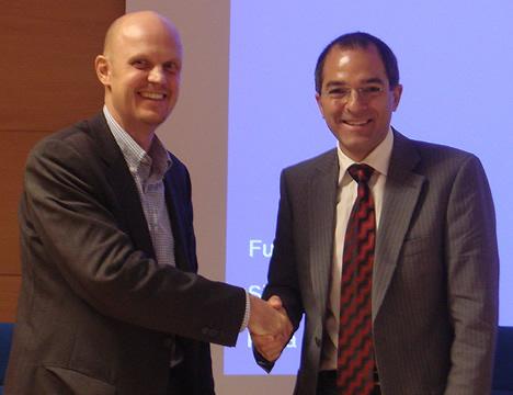 Firma KNX Antonio Moreno y CASADOMO Stefan Junestrand