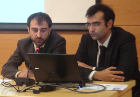 Miguel Angel Sánchez de Mitsubishi y Oriol Cervelló de Intesis Software en el KNX Workshop