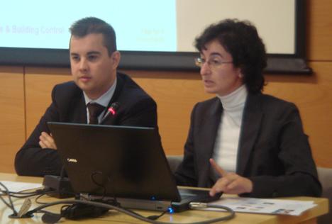 Sergio Hernández de Siemens y Raquel Valiente Atance de Telefónica en el KNX Workshop