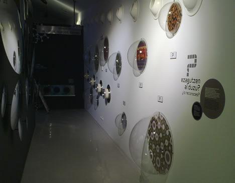 """Burbujas Informativas de la sala """"¡A toda máquina! Otros mundos a nuestro alrededor"""" del Parque Tecnológico de Vizcaya BTEK"""