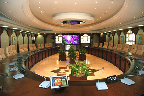 Monitores Dynamic 2 de Arthur Holm en la Universidad de Kuwait