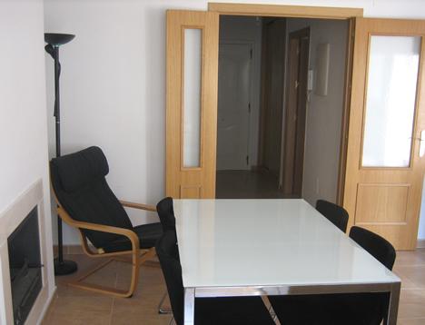 Salón de vivienda con KNX y pantalla Iddero.