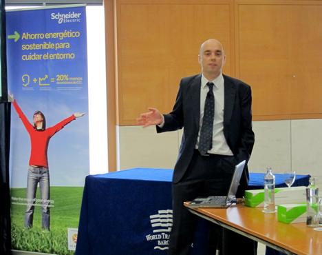 Fernando Vázquez de Schneider Electric en la presentación de LifeSpace
