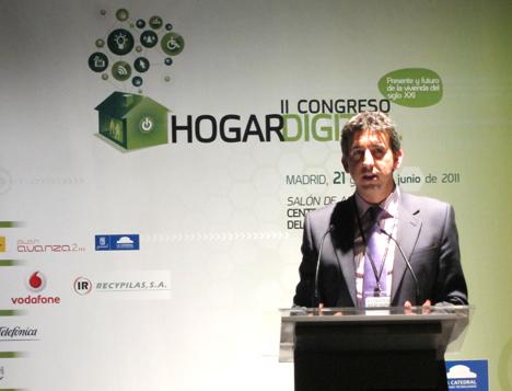 Luis Catalá de Schneider Electric en el II Congreso de Hogar Digital