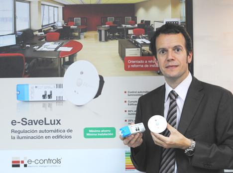 Ramón Francesch, E-Controls, con e-SaveLux