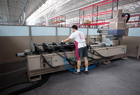 Zona de trabajo con máquinas