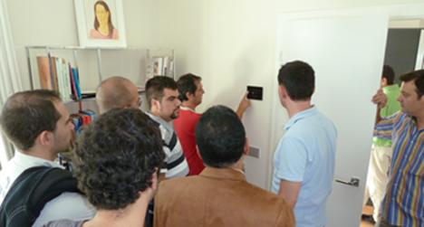 Visita de los alumnos del Master de Domótica y Hogar Digital a una instalación de control y automatización