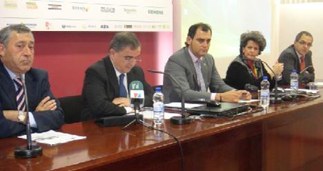 De izquierda a derecha: D. José Ignacio Angulo (Director del IEFPS)