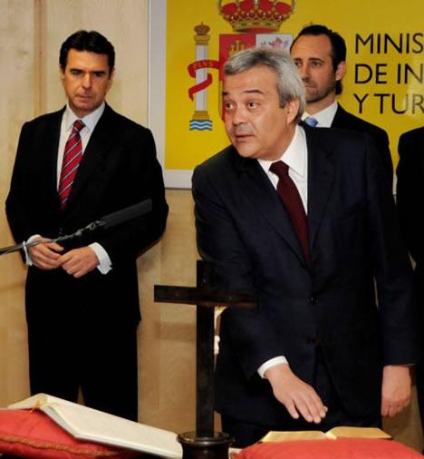 El ministro de Industria, Energía y Turismo, José Manuel Soria, preside la toma de posesión de Víctor Calvo Sotelo, secretario de Estado de Telecomunicaciones y para la Sociedad de la Información.