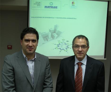 D. Raúl Calleja (Director de Matelec) y D.Antonio Moreno (Presidente de KNX España) durante la firma del acuerdo