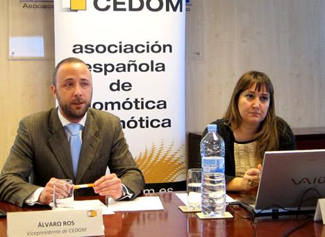 Alvaro Ros y Marisol Fernández en la Asamblea General CEDOM 2012