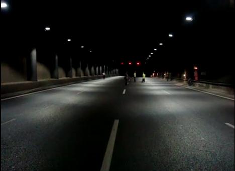 Túnel alumbrado con el sistema Multilamp para regulación de luminosidad con LED