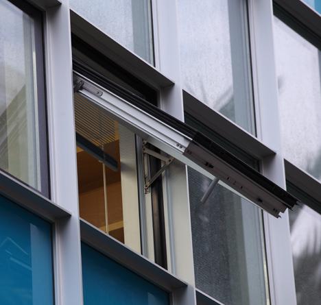 Detalle de la ventana en el Instituto de Biomedicina de Valencia
