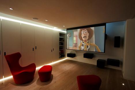 Mejor Sala Multimedia (menos de 15.000 libras)