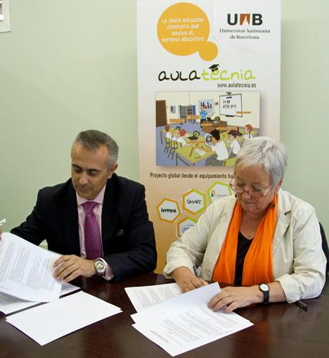 Firma del acuerdo entre la UAB y Aulatecnia