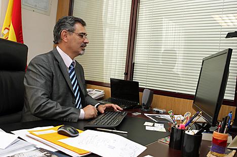 José Manuel Páez en su despacho