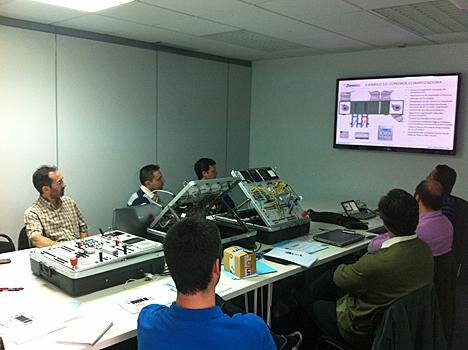 Asistentes al curso de Zennio sobre Climatización Avanzada con KNX