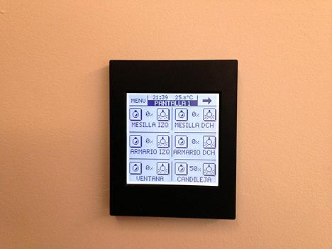 Pantalla Zennio para el control de las habitaciones