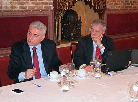 De izquierda a derecha, Juan Luis Brizuela, Director de Desarrollo de Negocio de Axis Communications, y Enric Subirana, Country Manager Iberia de Iomega