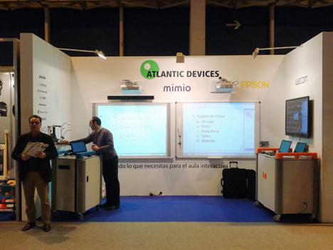 Stand de Atlantic Devices con los productos de Mimio en la feria Interdidac