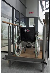 Silla elevadora Adapto de Válida Sin Barreras