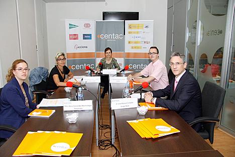 Participantes en la Mesa Redonda organizada por CENTAC