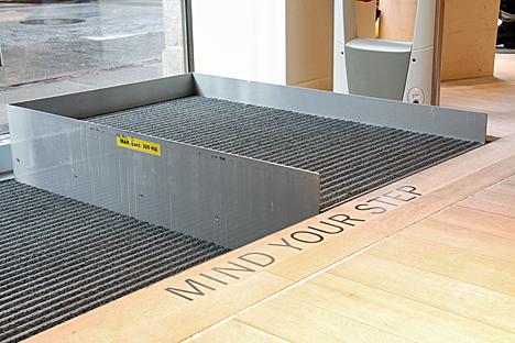 Plataforma elevadora invisible CELARE de Válida Sin Barreras