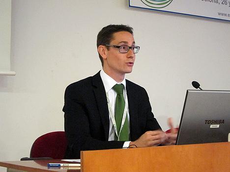 Dicomat Wago, durante su ponencia