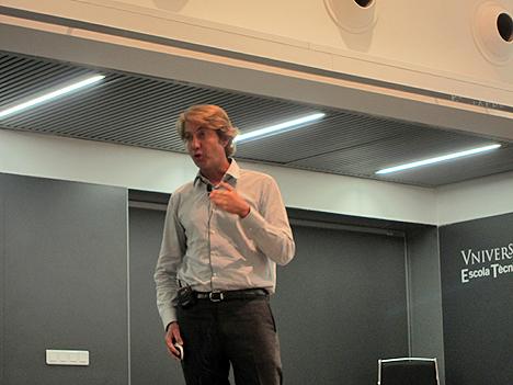 Julio Giménez, Director Técnico de Zennio, durante su intervención