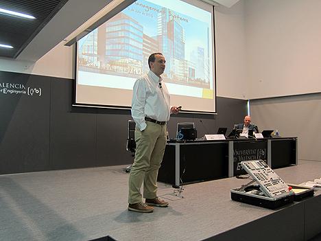 Julio Díaz, Gerente de SAPIENX