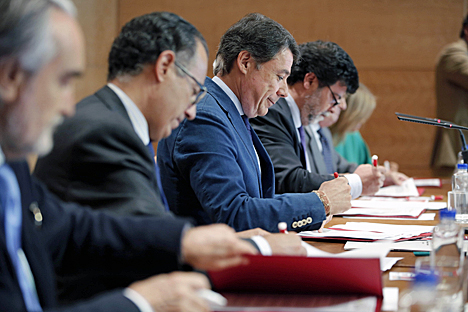 Firma del Plan Renove entre ANFALUM y la Comunidad de Madrid