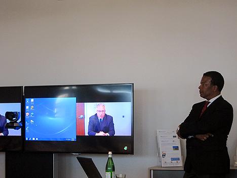 Allen Weidman, jefe de la Oficina de Sostenibilidad de InfoComm International, por videoconferencia