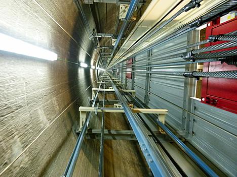 Instalación para el ascensor en La Muela II
