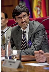 Alejandro González, Vicepresidente Primero de AEDIP