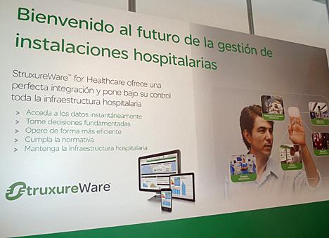 Stand de Schneider Electric en el Seminario de Ingeniería Hospitalaria