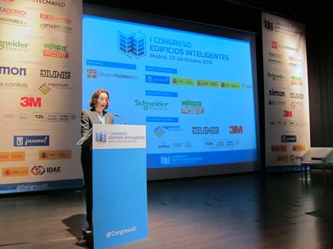 Concepción Gamarra durante su intervención en el I Congreso de Edificios Inteligentes