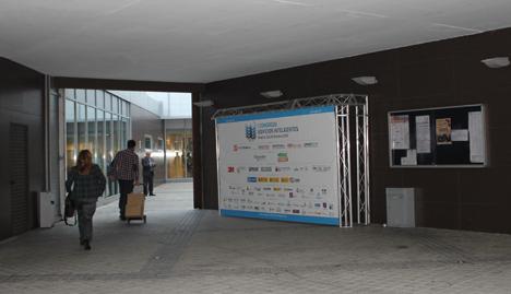 Cartel del I Congreso Edificios Inteligentes en la puerta del Centro Cultural Eduardo Úrculo de Madrid