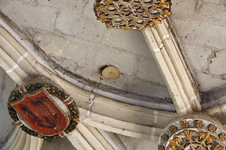 Fisurómetro en catedral