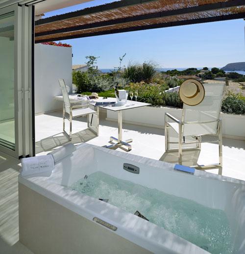 Bañera y terraza