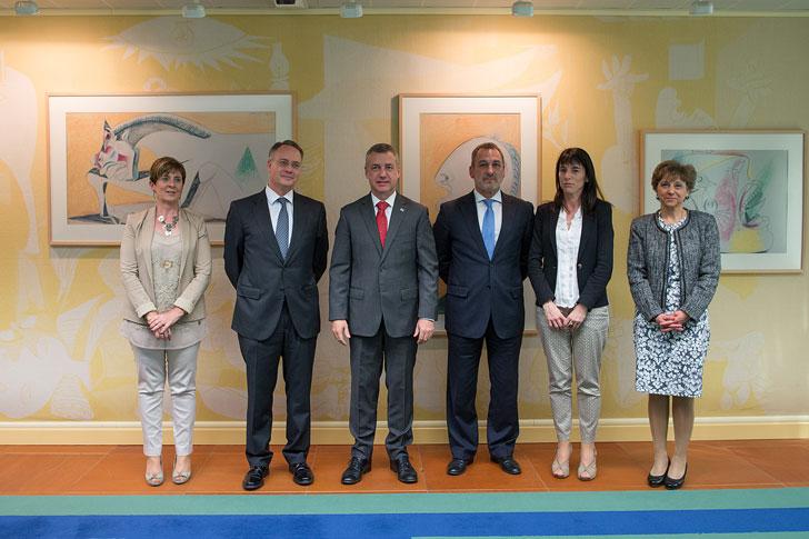 Representantes de ThyssenKrupp y Euskadi