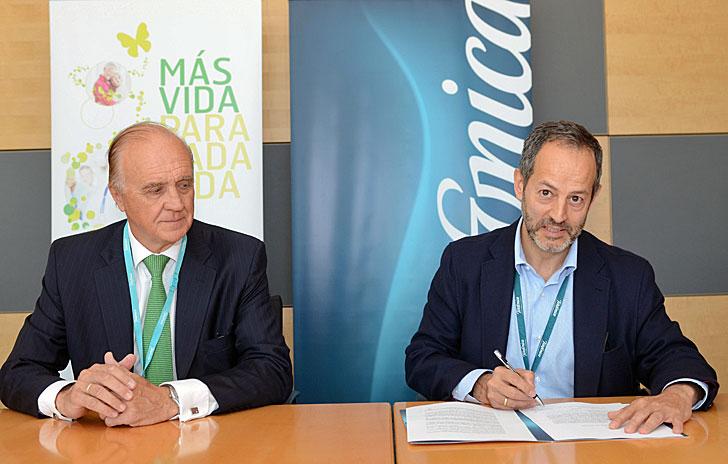 Firma del acuerdo entre Telefonica y Oximesa