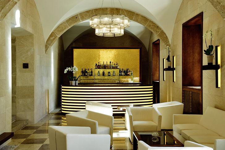 Bar dentro del hotel